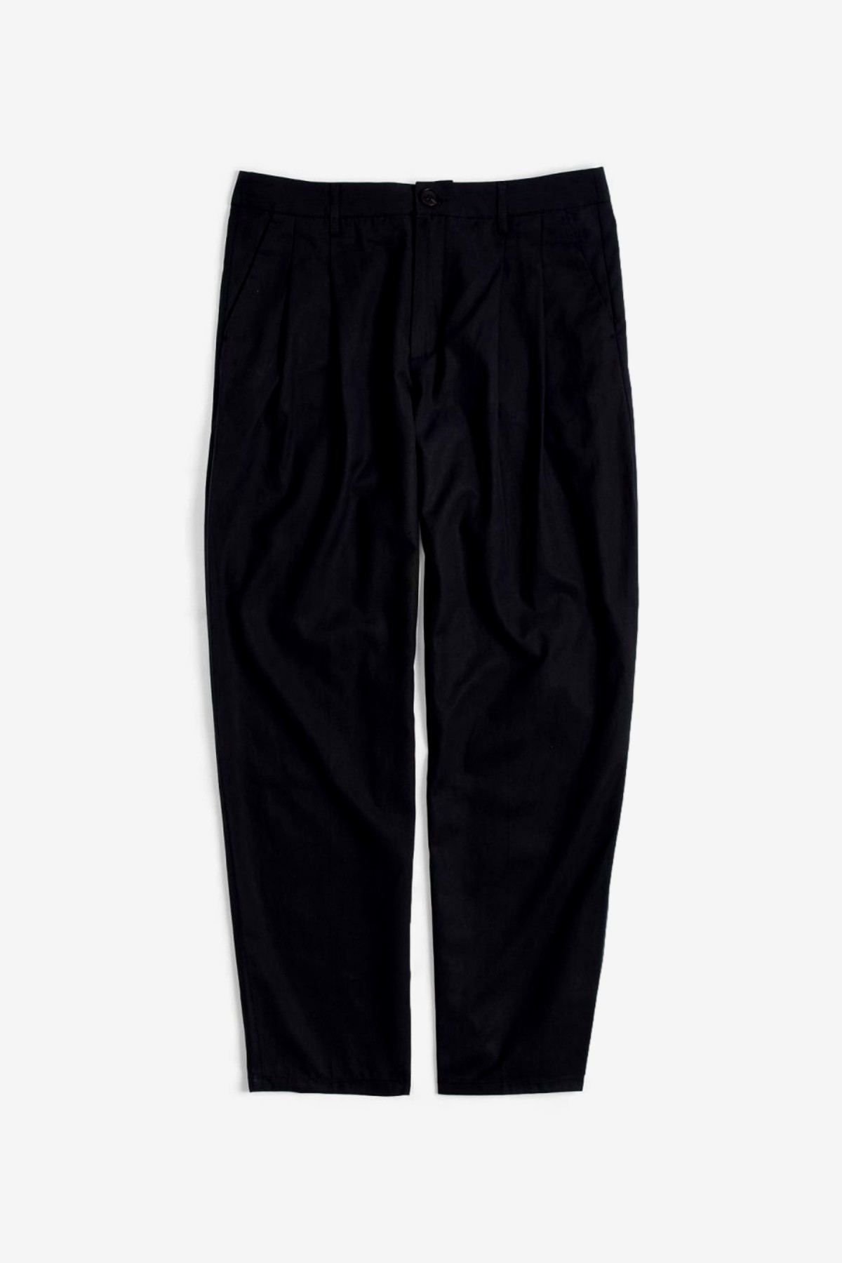 A Kind of Guise Pleated Wide Trousers in Washed Black