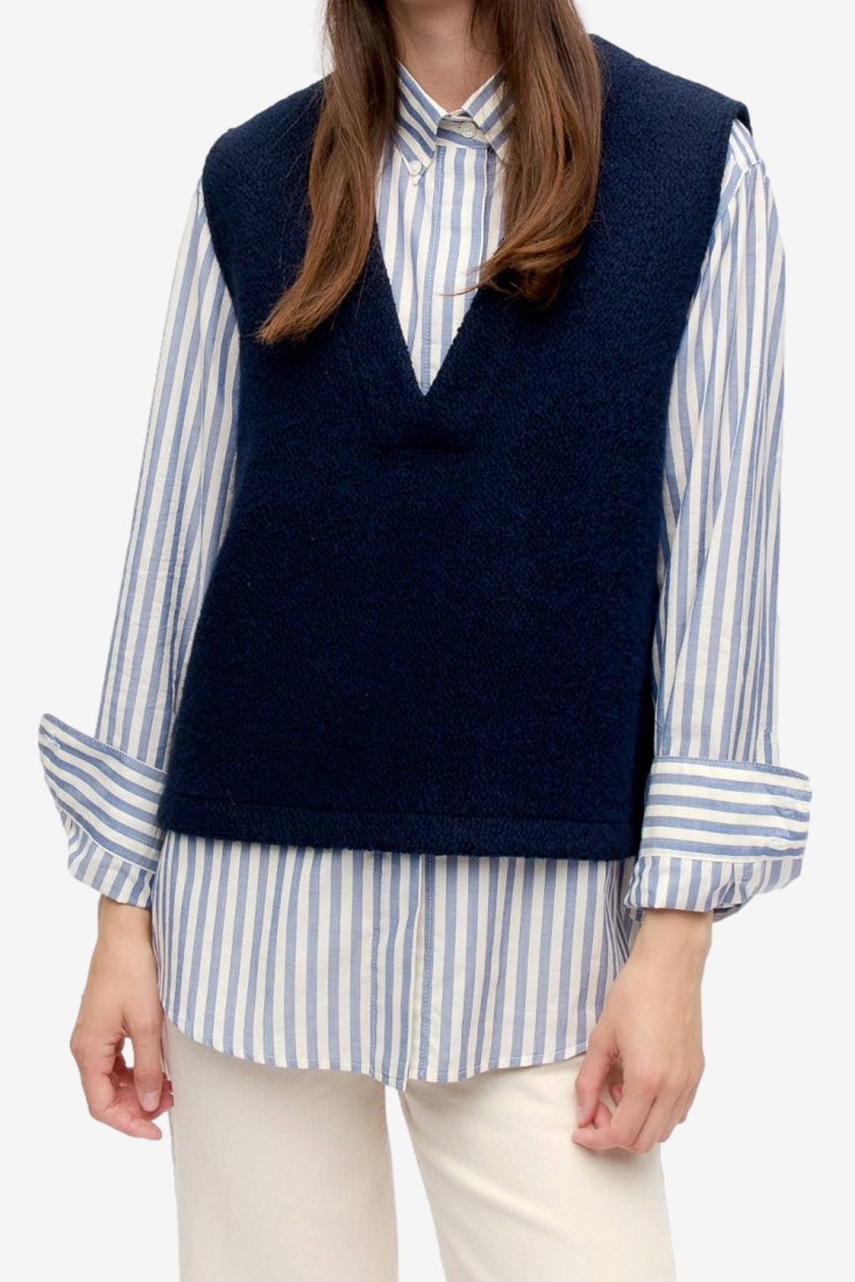 A Kind of Guise Tbili Vest in Curly Navy