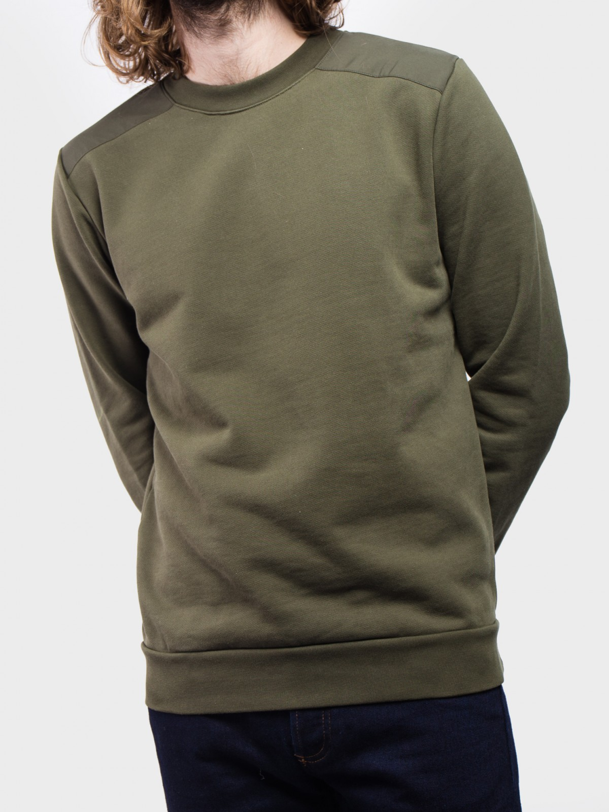 A.P.C. Sweat Shoulders in Kaki