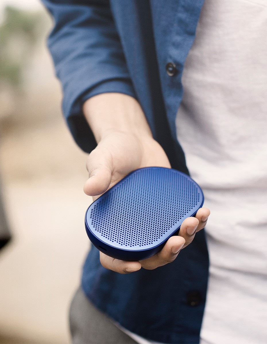 Bang & Olufsen Beoplay P2 Royal Blue in