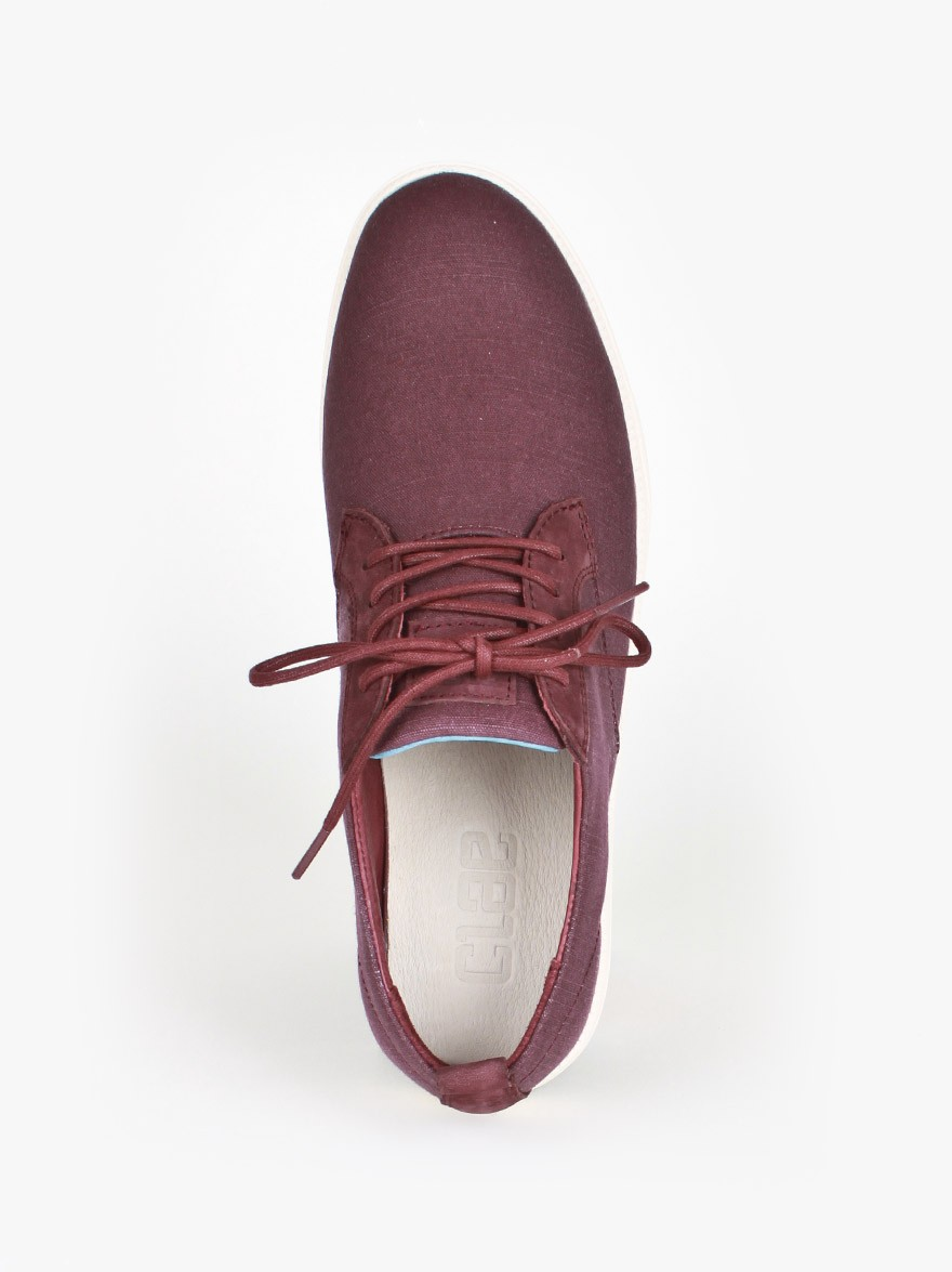 Clae Ellington Canvas in Oxblood