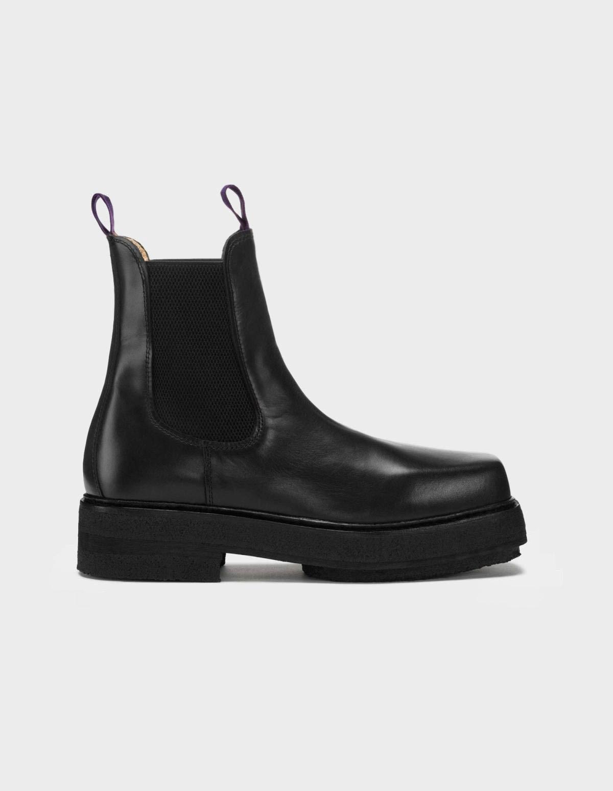 Eytys Ortega Leather in Black