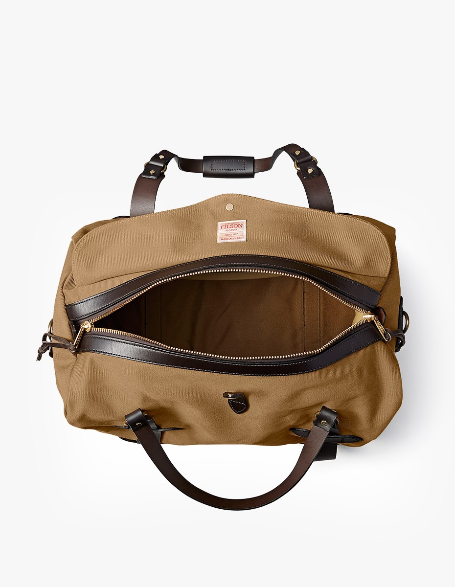 Filson Medium Duffle Bag in Dark Tan