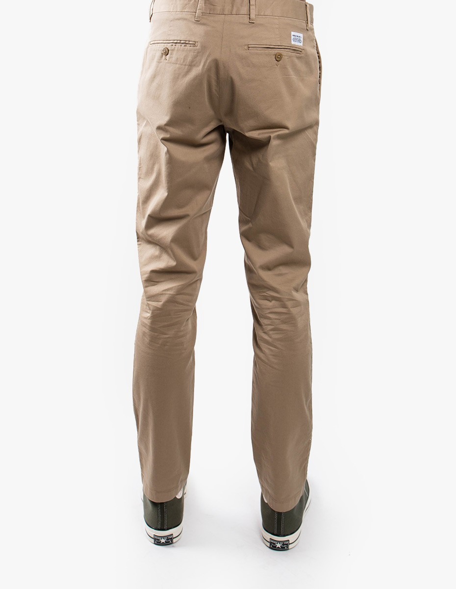 Norse Projects Aros Slim Light Stretch Chino in Khaki