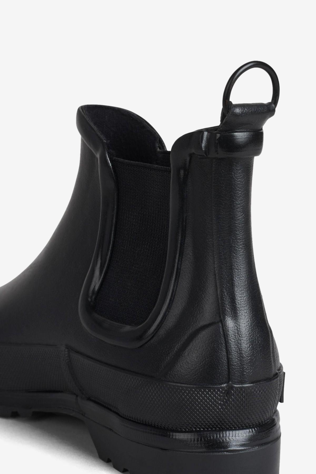 Stutterheim Chelsea Rainwalker in Black / Black