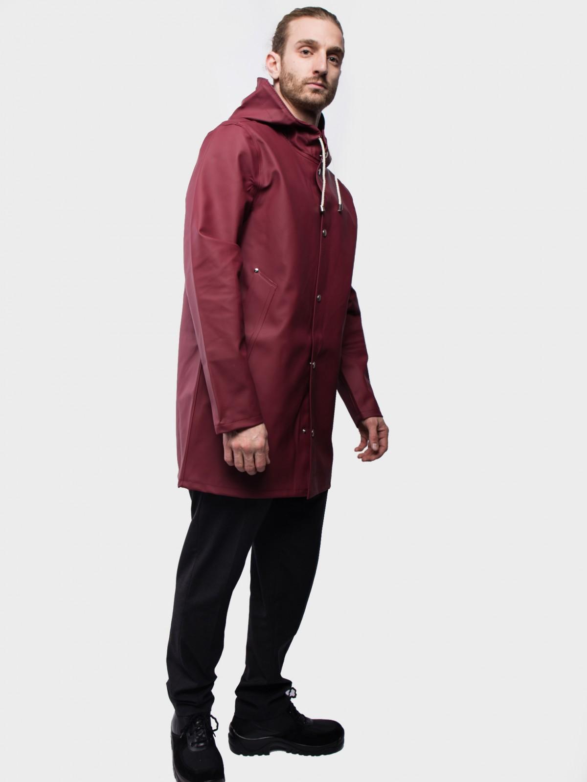 Stutterheim Stockholm Raincoat in Burgundy