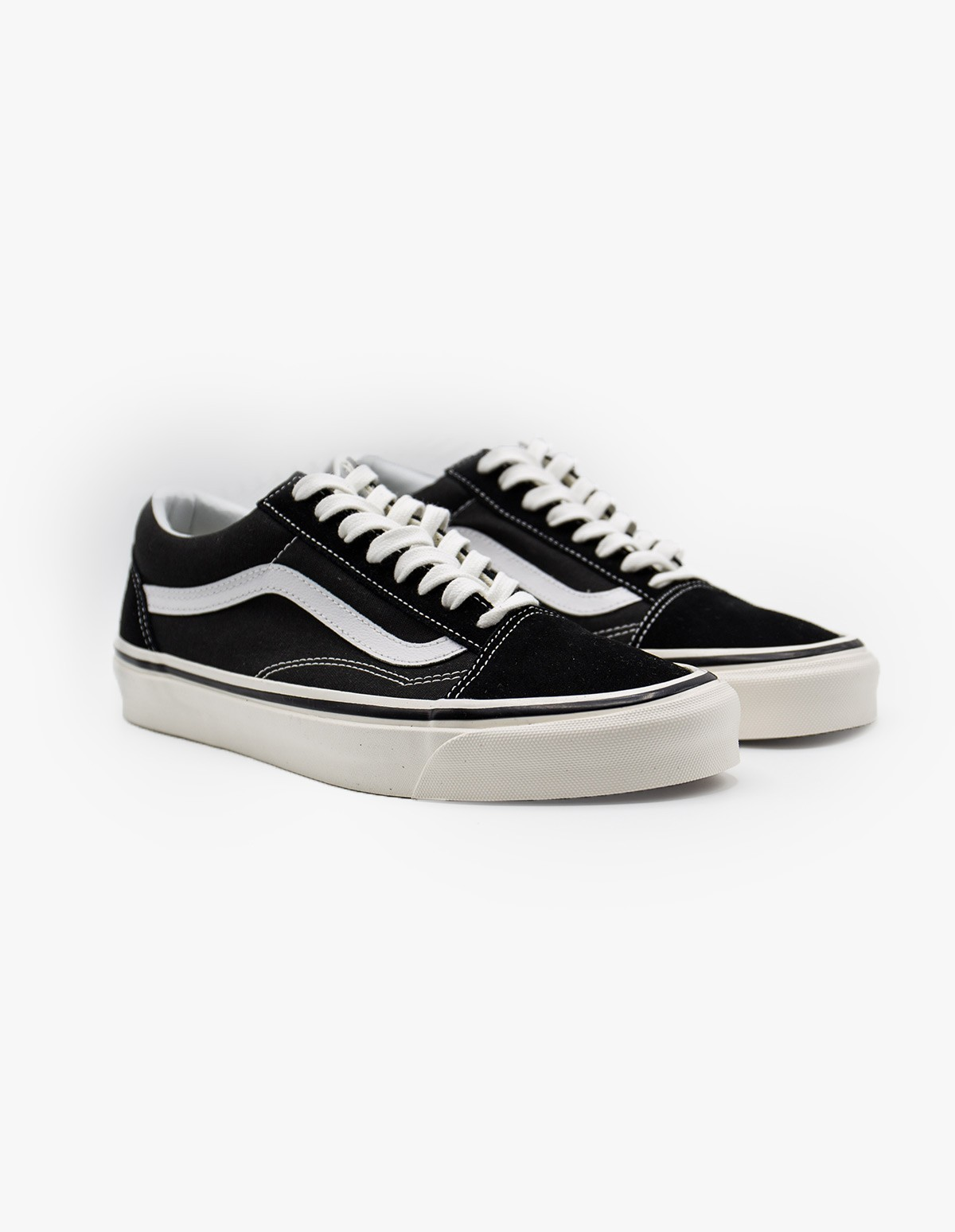 Vans Old Skool 36 DX in Black