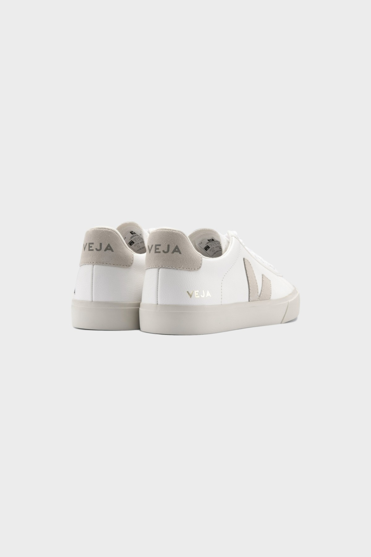 Veja Campo Chromefree in Extra White Natural Suede