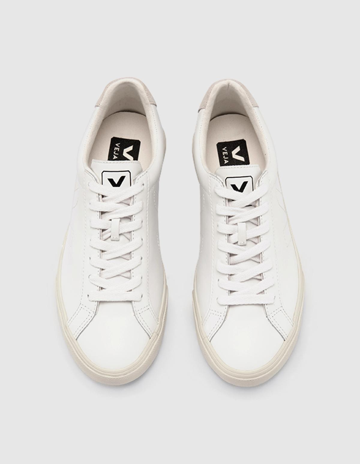 Veja Esplar Leather in  Extra White