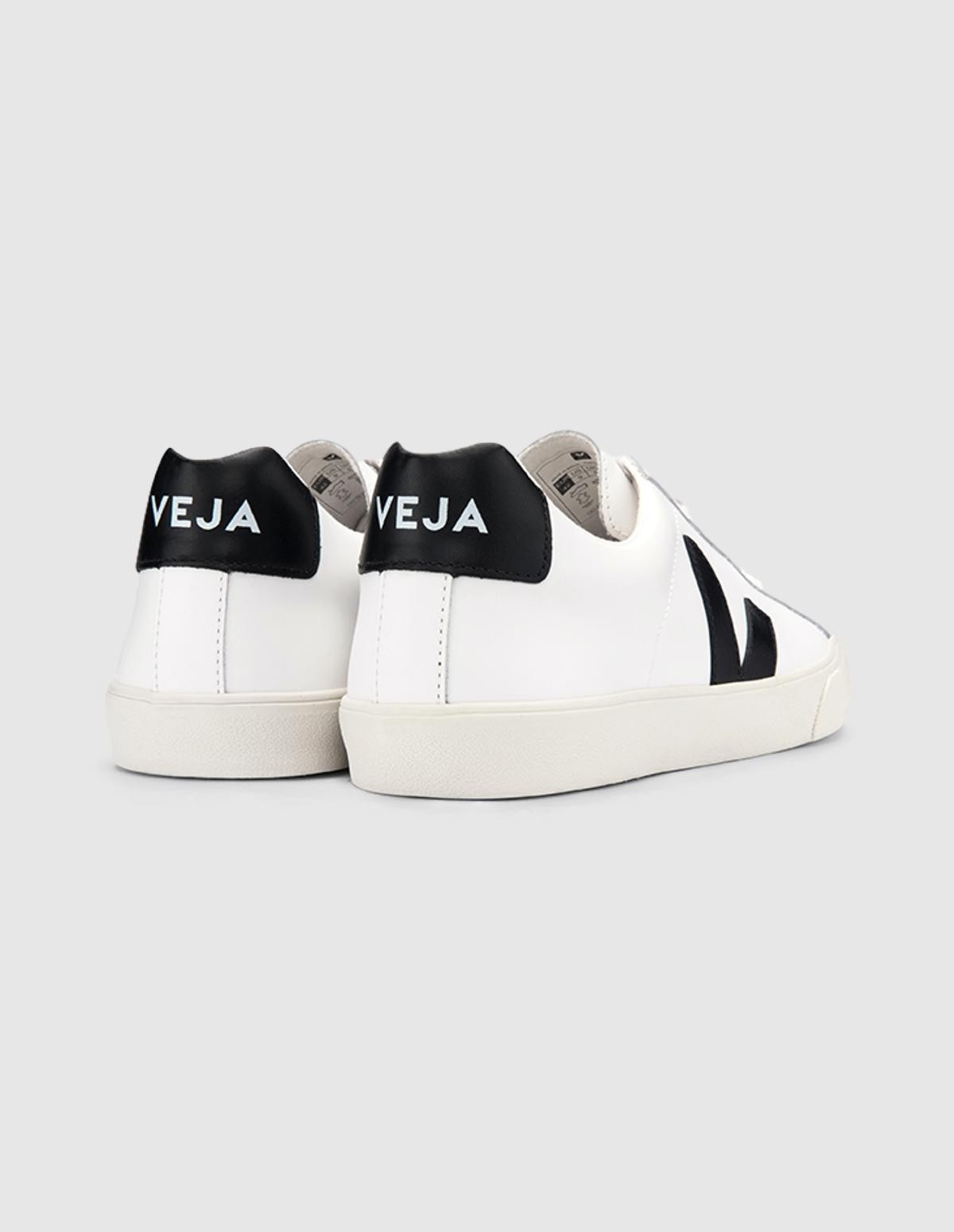 Veja Esplar Leather in  Extra White Black