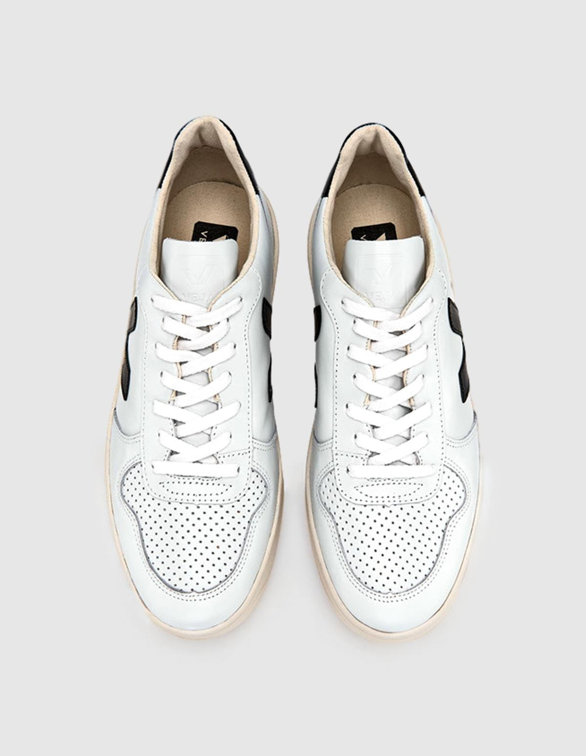 Veja V-10 Leather in Extra White Black