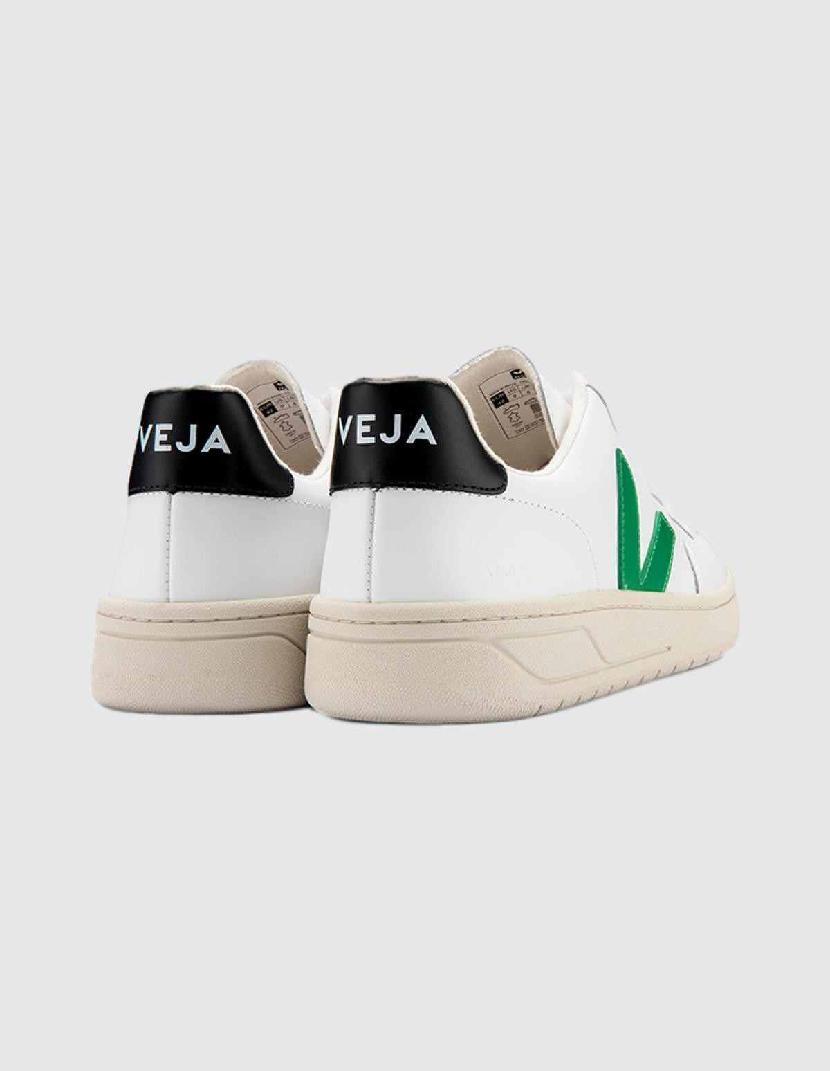 Veja V-12 Leather in Extra White Emeraude Black