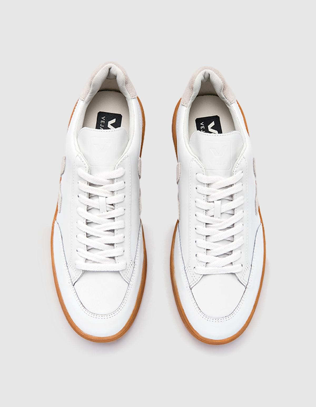 Veja V-12 Leather in Extra White Natural Natural Sole