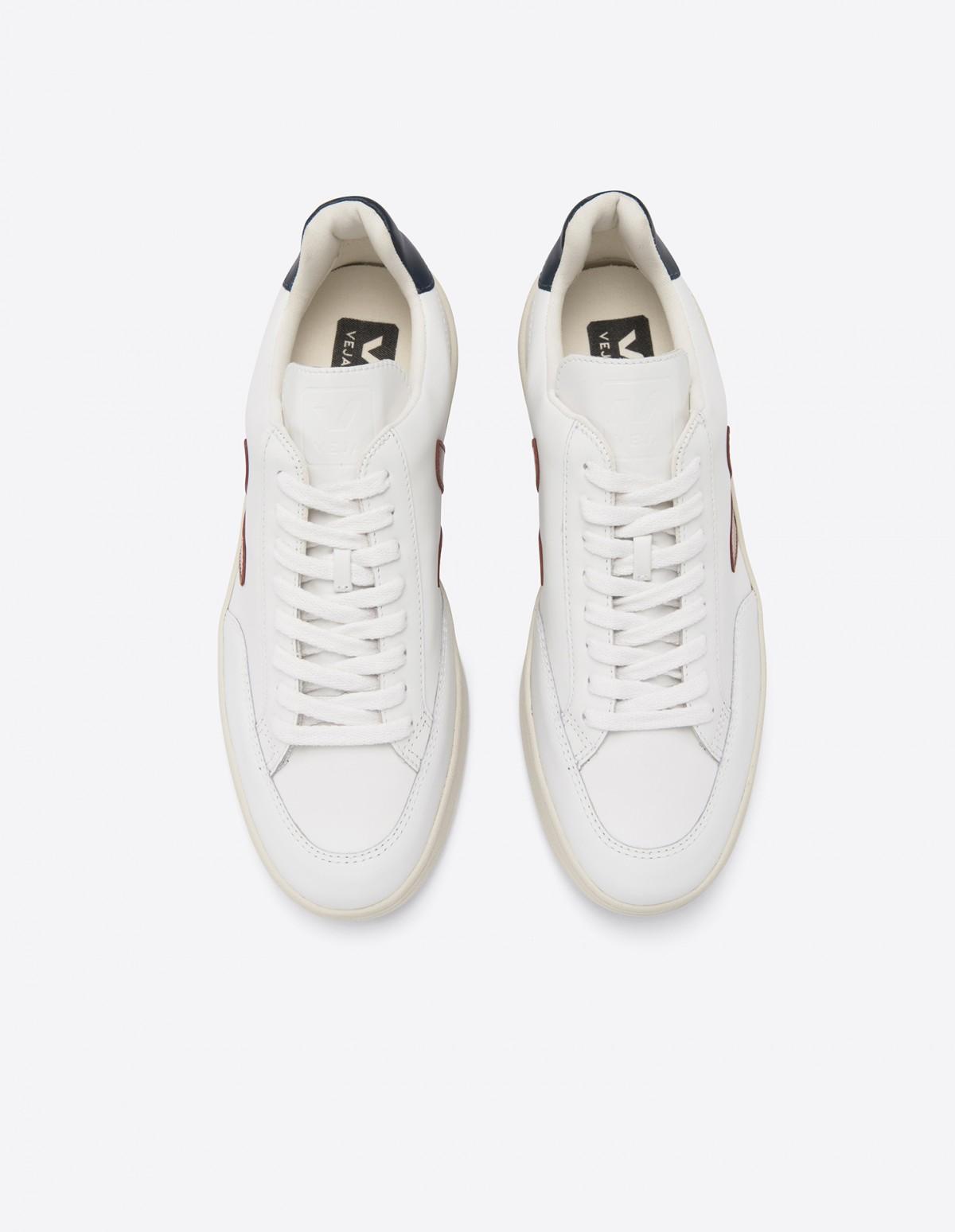 Veja V-12 Leather in Extra White Marsala Nautico